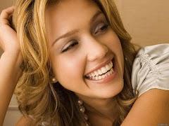 Manfaat Tertawa untuk Kesehatan Mental