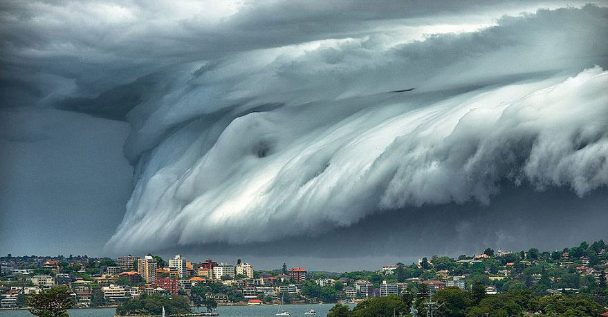 Horrifying Storm Footage Depicts 'Cloud Tsunamis'