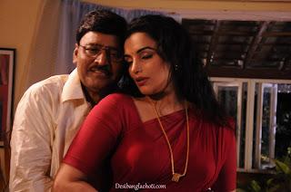 Chodachudir bangla choti