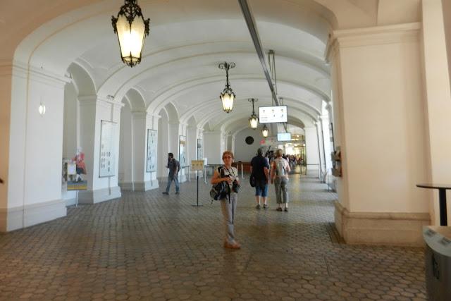 Wejście do pałacu Schonbrunn