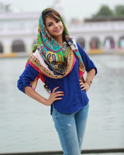 Monica Gill Beautiful Wallpapers