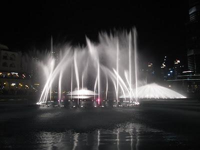 fuentes de Dubai, bellagio Dubai, fuentes Dubai Mall