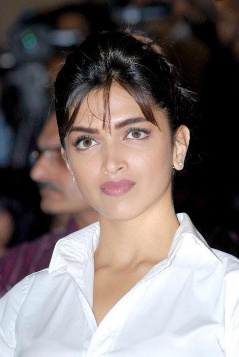 Bollywood Actress Deepika Padukone Hot Face Photos In White Shirt Blue Jeans