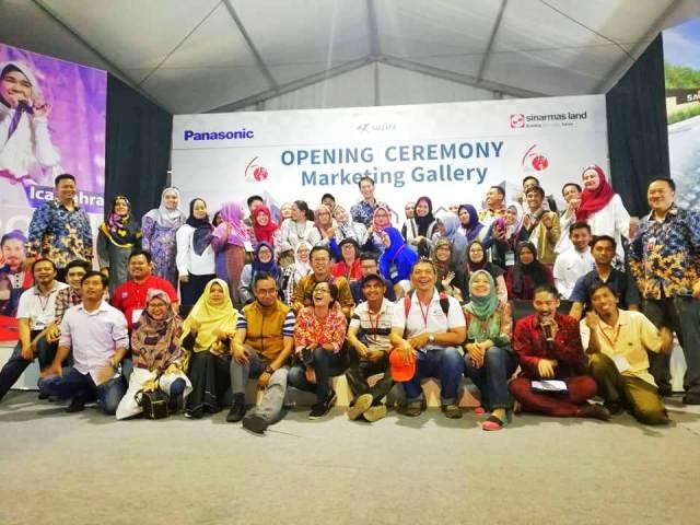 foto bersama opening ceremony by marketing gallery savasa deltamas sinar mas land sojitz panasonic nurul sufitri blogger