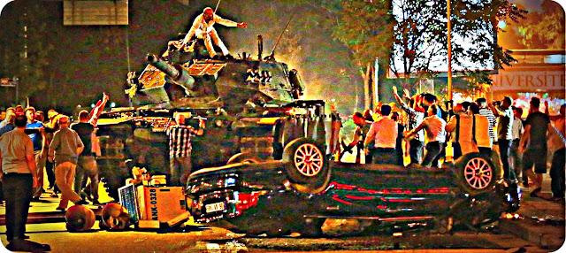 Warga Ankara dan Istanbul Duduki Tank Militer Turki