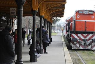 Trabajadores despedidos ponen en duda el regreso del tren