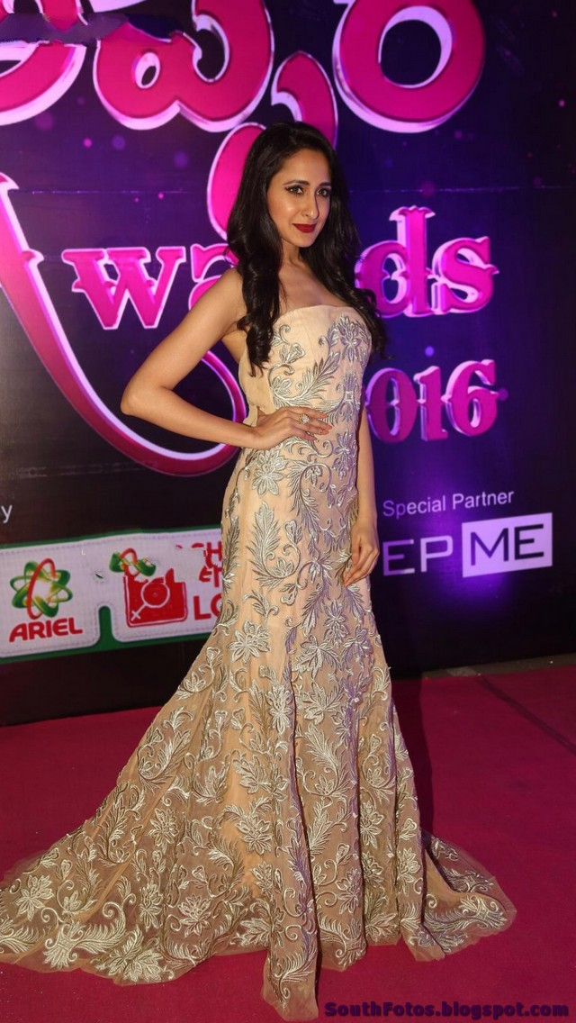 Pragya Jaiswal Hot Photos