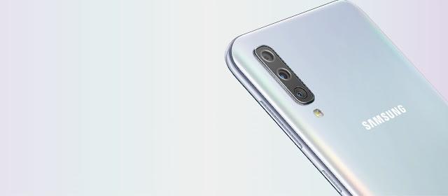 Samsung-Galaxy-A50-Triple-Camera