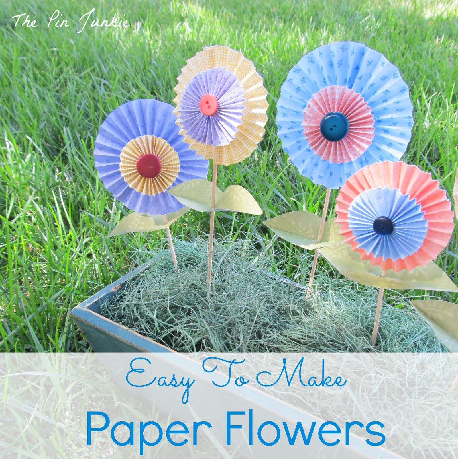 Easy to make folded paper flowers mightylinksfo