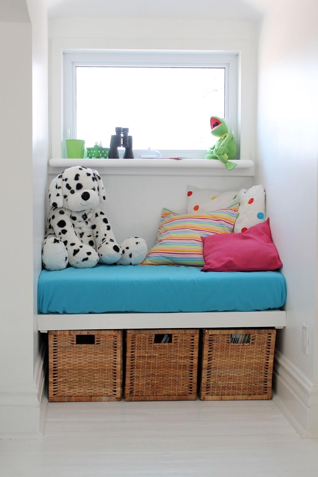 pour toujours window bench le banc sous la fen tre. Black Bedroom Furniture Sets. Home Design Ideas