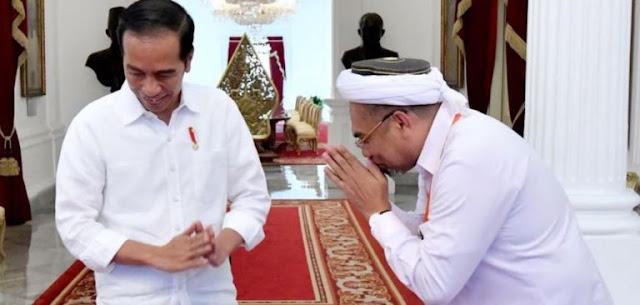 "Agungkan Jokowi, Ngabalin Remehkan Prabowo-AHY, ""Mereka Cuma Kroco-kroco…"""