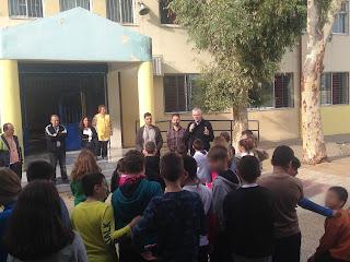 Ο Δήμαρχος Περιστερίου μιλάει στους μαθητές