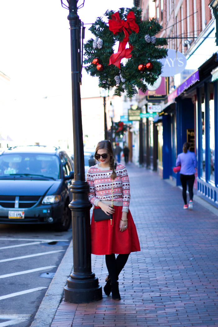 964ca4c4f1 This skirt (seen last year here and here) is one of my all time favorite  statement pieces. I love the big, full skirt and bright pop of red!