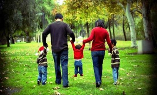 Αλλαγές στα οικογενειακά επιδόματα: Κερδισμένοι όσοι έχουν έως 2 παιδιά, χάνουν τρίτεκνοι και πολύτεκνοι