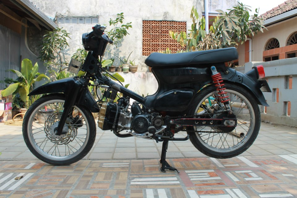 MODIFIKASI MOTOR: MODIFIKASI HONDA C70 180CC