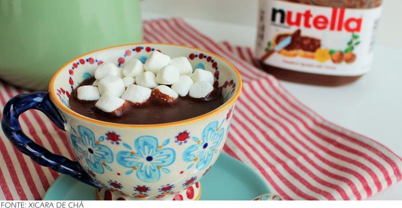 Chocolate quente de Nutella: Esse chocolate quente leva apenas 3 ingredientes e é em feito em apenas um passo. Simples e delicioso. Se preferir, pode adicionar um pauzinho de canela ao servir.
