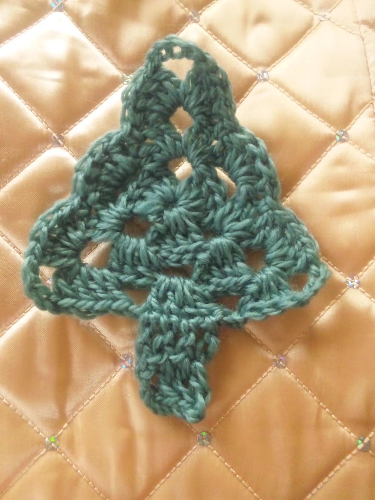 かぎ針編みのツリーモチーフ