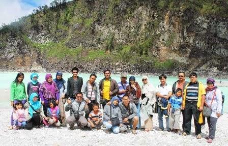 Paket Tour Murah Rombongan ke Bandung Akhir Pekan 2015 - Wisata Kawah Putih