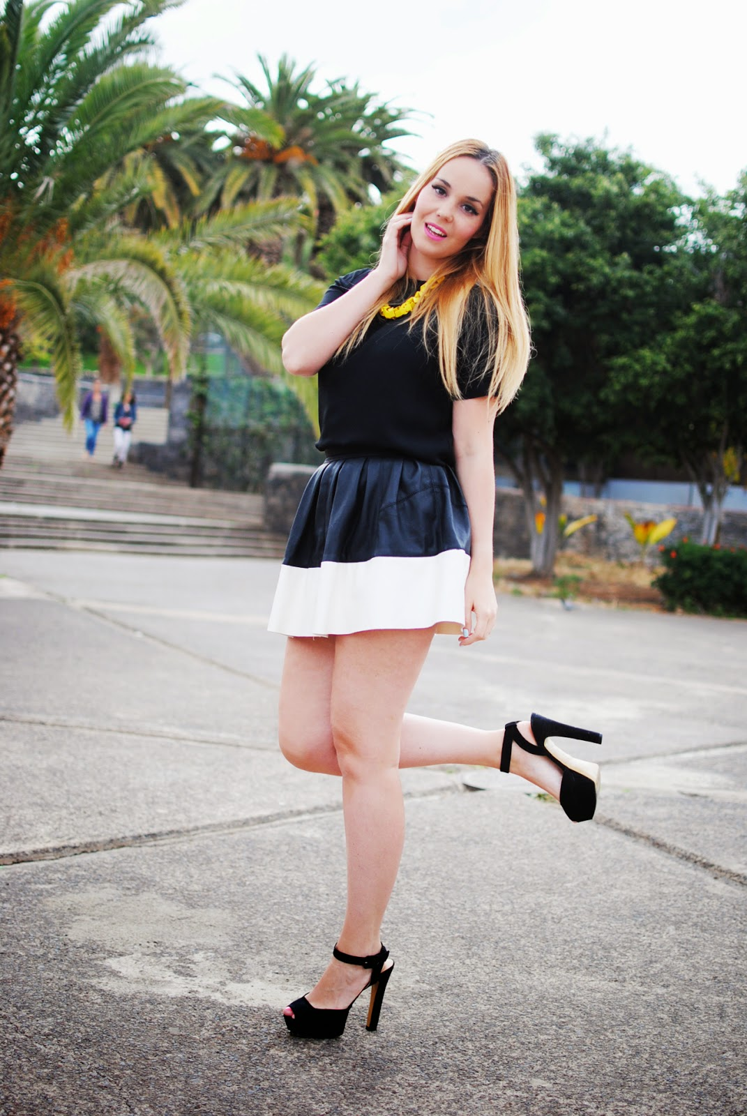 nery hdez, chicwish blogger, yellow , skater skirt , zara necklace, blonde , chicwish skirt