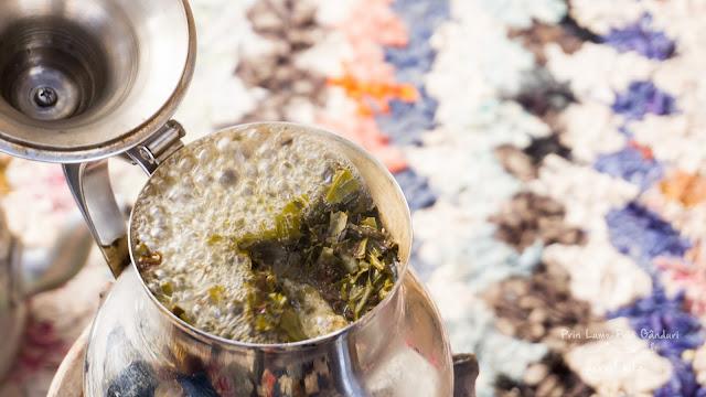 morocco-marakkesh-chefchaouen-bazaar-berber-tea