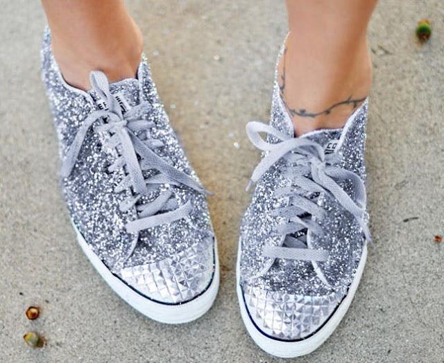Sneaker ayakkabı simli