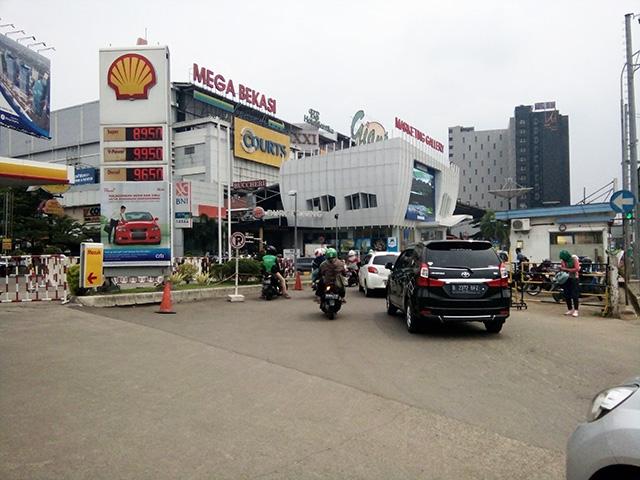 Mega Bekasi, Pusat HP dan Accesories Terbesar Se-Bekasi