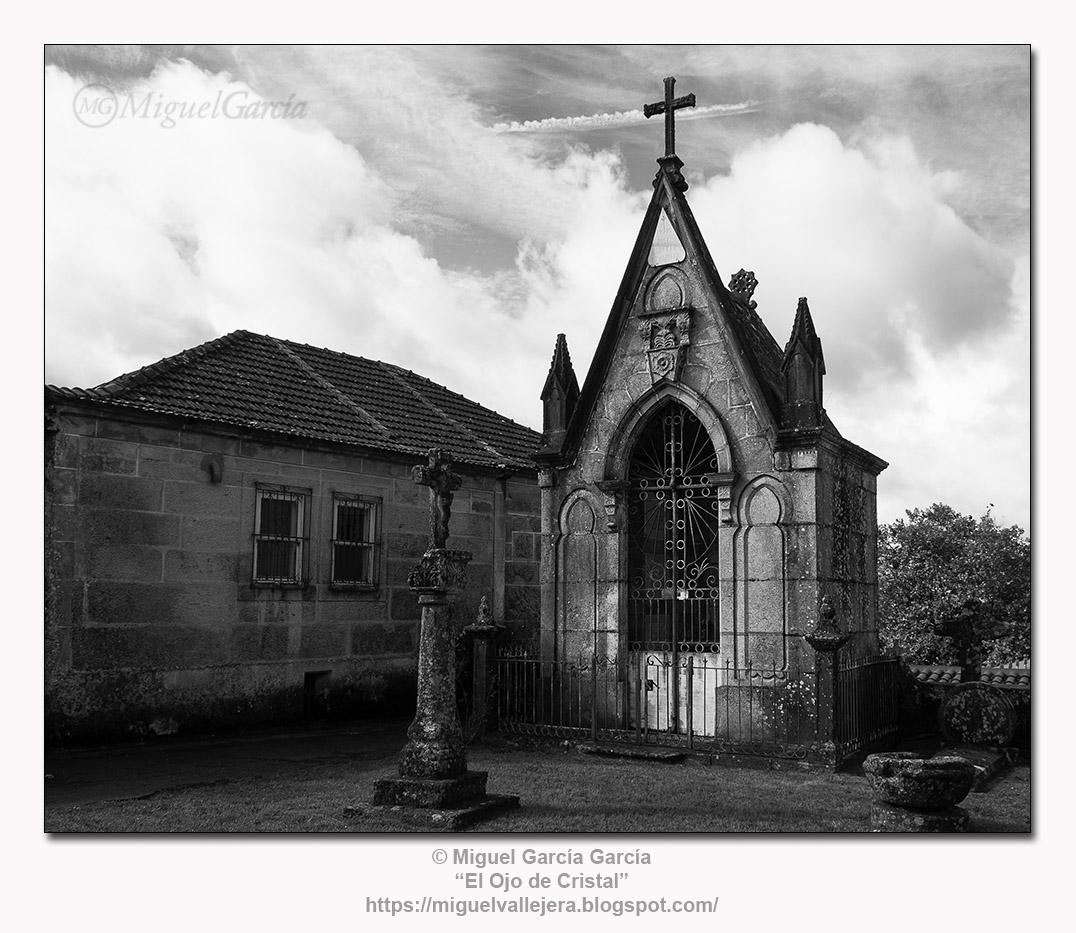 Cementerio parroquia del Divino San Salvador de Maceira, Covelo (Pontevedra)
