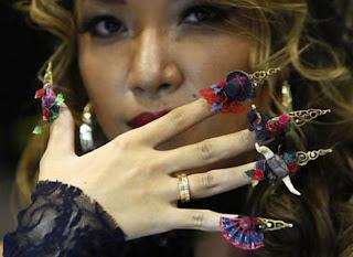 Diseño de uñas muy exótico
