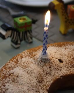 Geburtstagskuchen mit Kerze