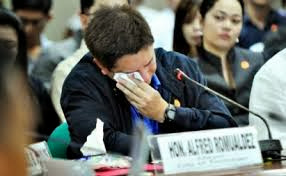 Mayor of Tacloban crying during Congressional hearing