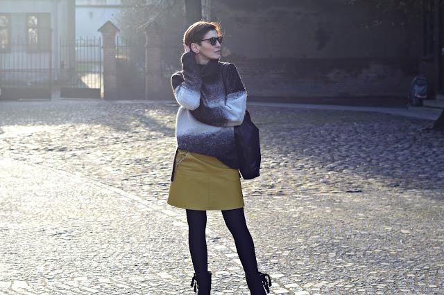 stylizacje, stylizacje blog, mody, blog, blog modowy, modne trendy, porady stylisty, styl kobiety, moda dla 40, moda dla 30, wełniany sweter, sweter ze spódnicą, stylistka poznań