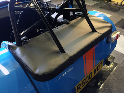 Caterham R500 with new boot cover (without hood sticks)