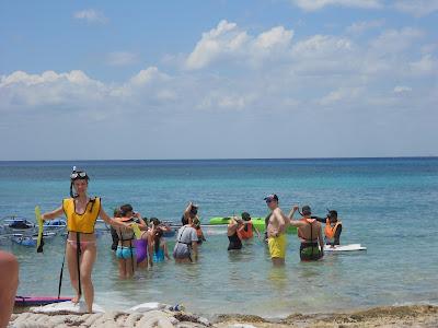Praia da Uva - Cozumel (galera se preparando para sair com guia).