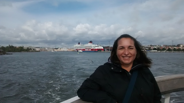 En el transbordador en dirección a la Fortaleza de Suomenlinna (Helsinki) (@mibaulviajero)