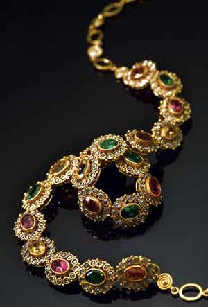 Hairstyle Coiging Tanishq Jewellery