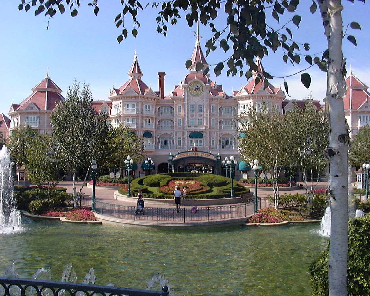 PZ C: disneyland paris hotel