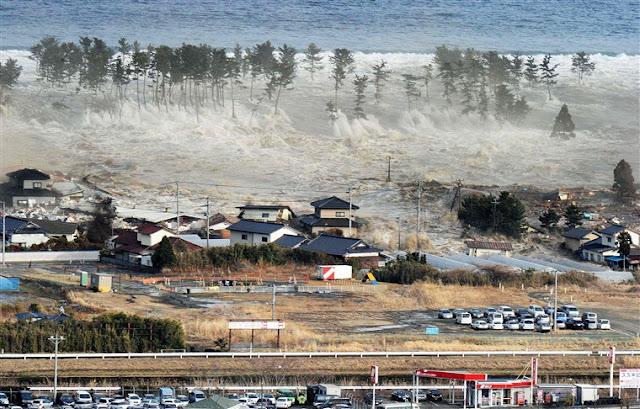 5 Penyebab Terjadinya Tsunami di Indonesia