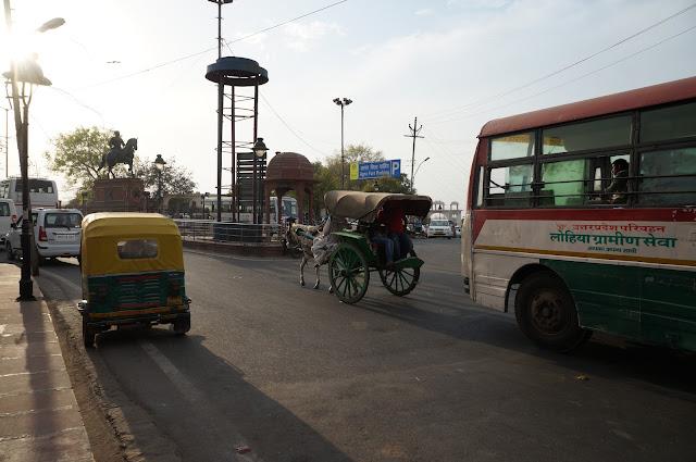 Menuju Agra Fort untuk kereta api berikutnya