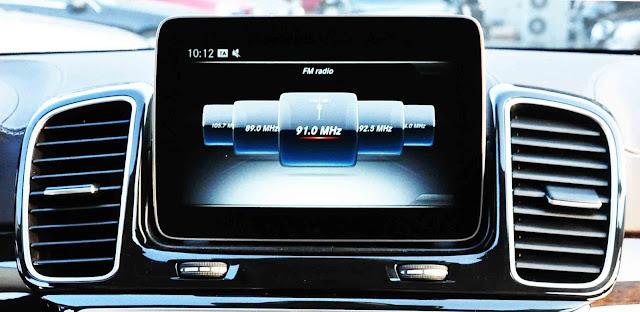 Mercedes GLS 350d 4MATIC 2017 sử dụng Hệ thống giải trí tiên tiến và hàng đầu của Mercedes hiện nay