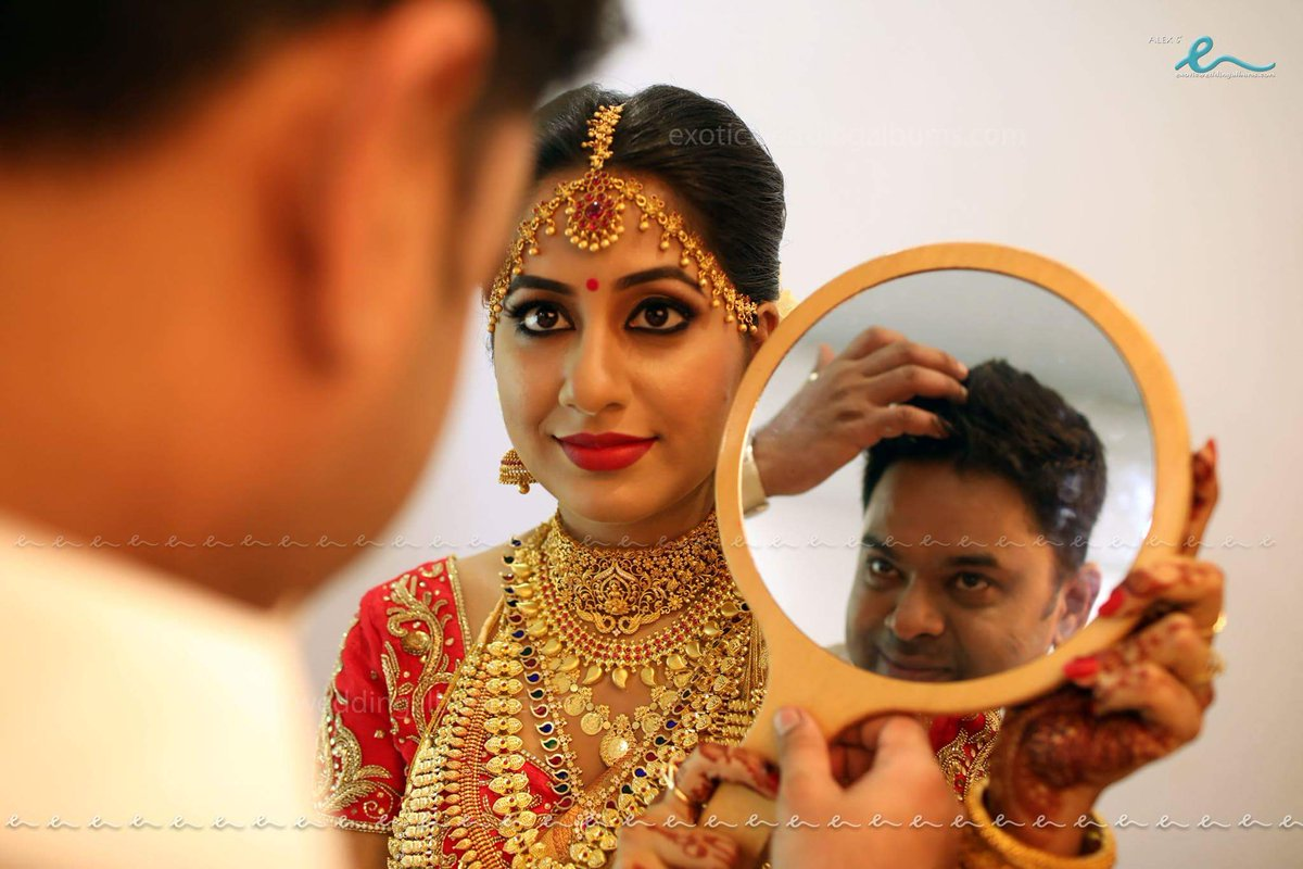 Jyothi Krishna Wedding Photos - Malayalam Actress - Hollywood ... for Jyothi Krishna Malayalam Actress  83fiz