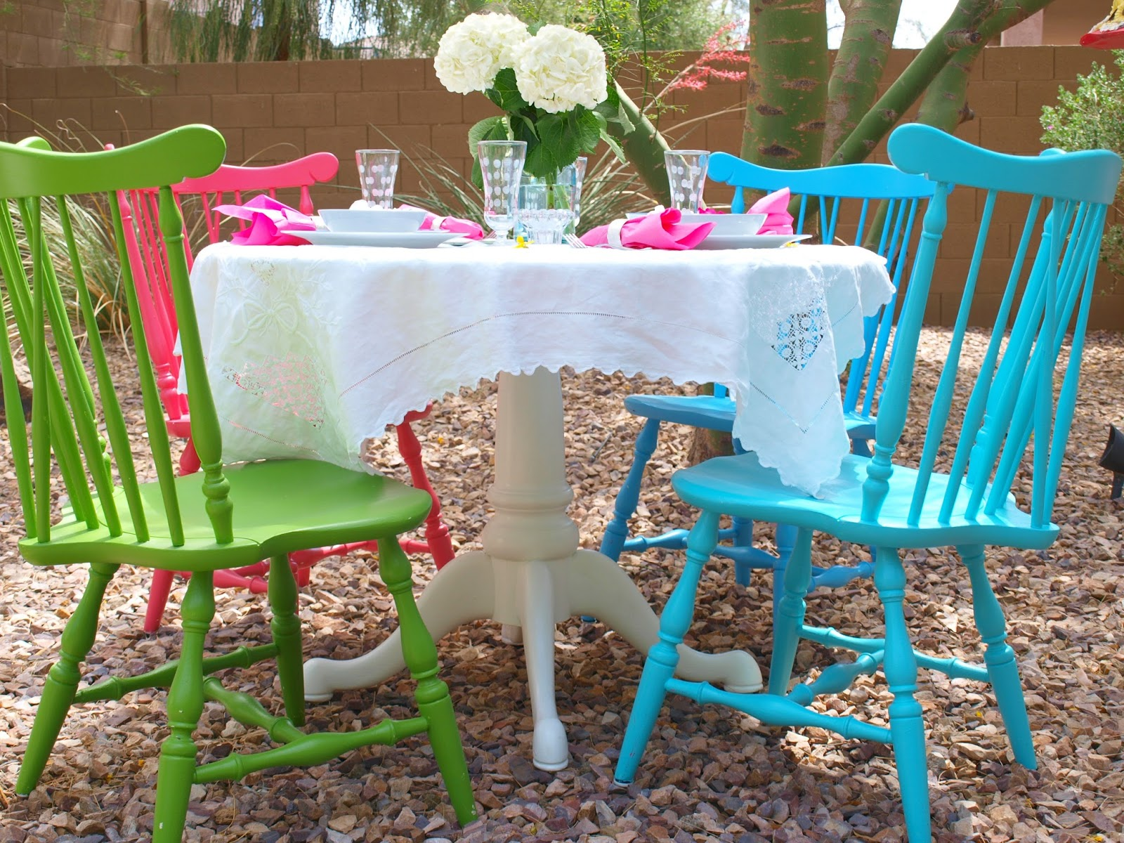 {Home Decor Inspiration} Romantic Outdoor Entertaining Ideas