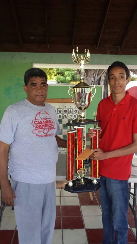 BARAHONA.- Octavio Feliz gana torneo Semana Santa.-