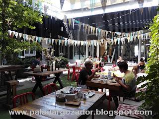 Rendebú cafe Barrio Italia terraza
