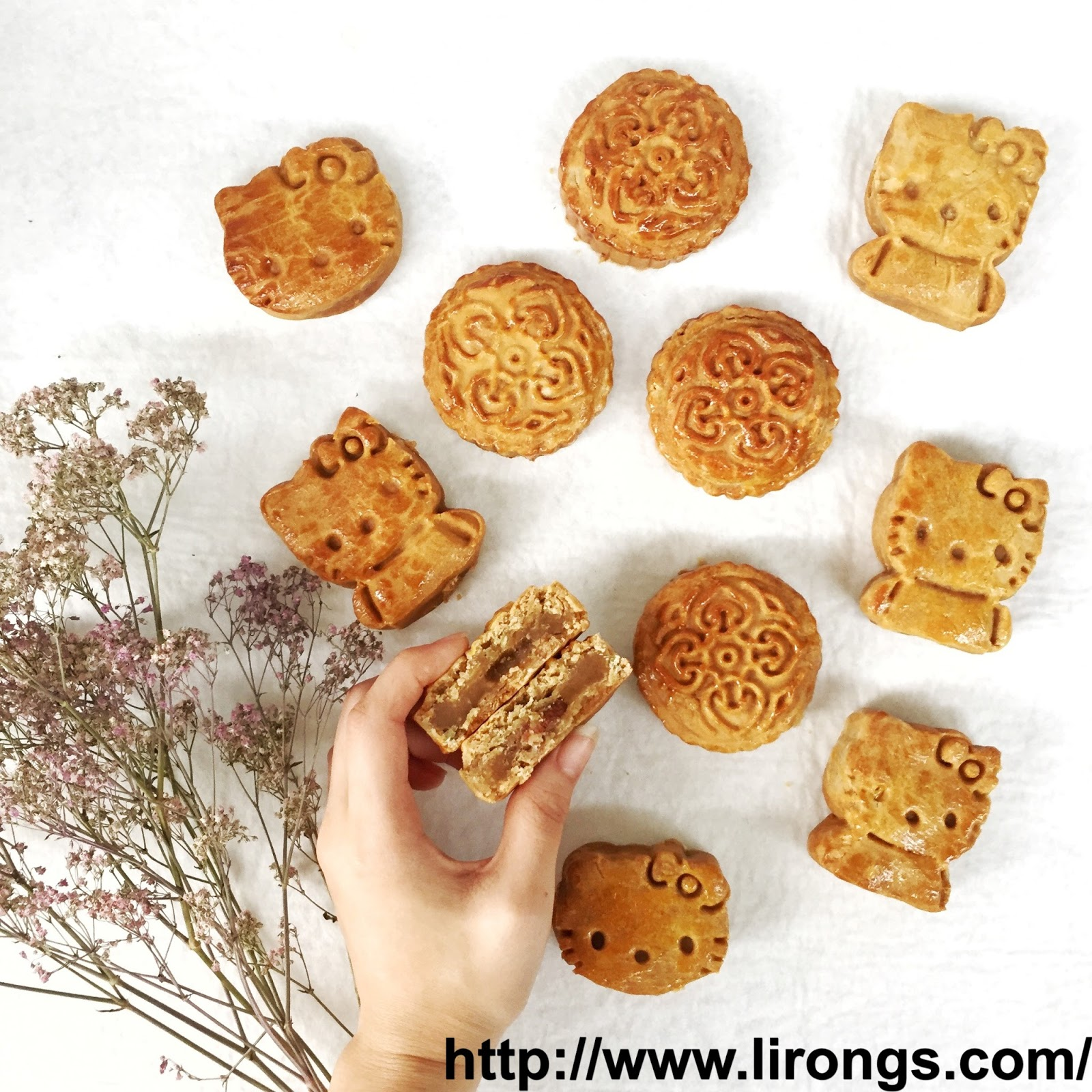 Lirong a singapore food and lifestyle blog happy mid autumn festival these are not the usual big mooncakes these are mini ones and filling with sugar free green bean paste also added some granola into the paste for extra kristyandbryce Choice Image