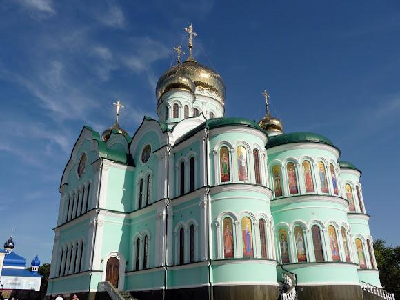 Герцаевский район, Черновицкая область. Свято-Вознесенский монастырь