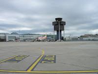 Aeropuerto de Ginebra, Suiza, Geneva Airport, Switzerland, L'aéroport de Genève, Suisse, vuelta al mundo, round the world, La vuelta al mundo de Asun y Ricardo