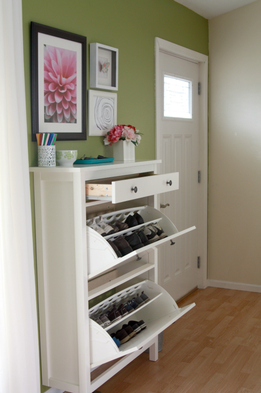 eat sleep decorate organization in your entryway. Black Bedroom Furniture Sets. Home Design Ideas
