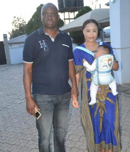 Fayose poses with FFK's babymama Precious after she was arrested by EFCC