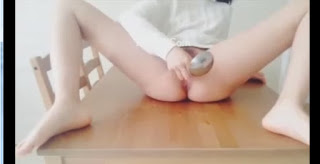 Clip: Em học sinh thủ dâm bằng muỗng múc canh bá đạo, Chết cười =))