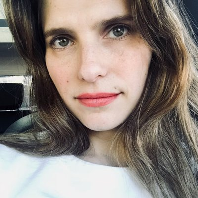 Lake Bell husband, body, baby, hot, movies and tv shows, films, actress, photos, scott campbell, pregnant, in a world, age, wiki, biography